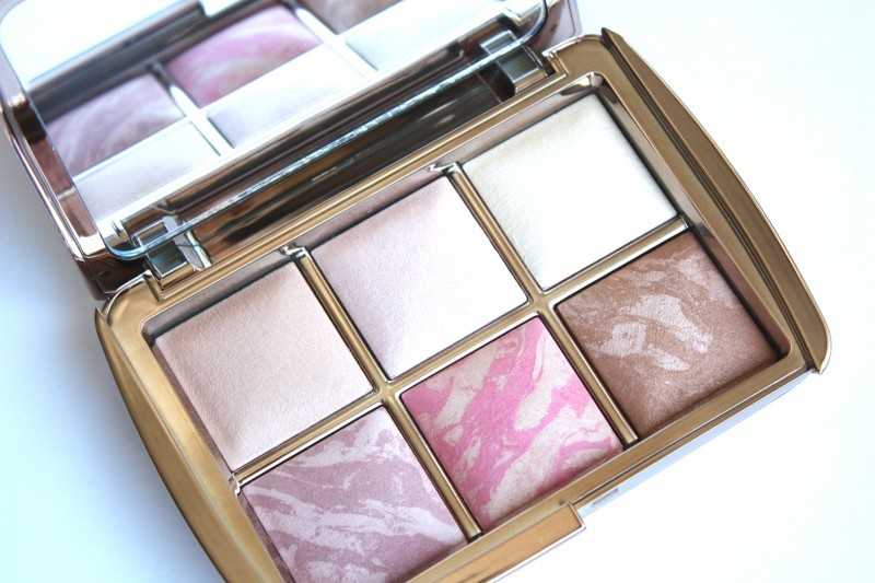 HOURGLASS Ambient Lighting Edit